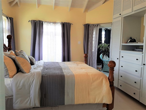 Mount Wilton - new pics - guest bedroom 2.... (600 x 450)
