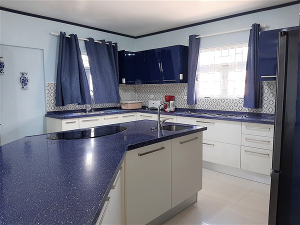 Mount Wilton - new pics - kitchen. (600 x 450)