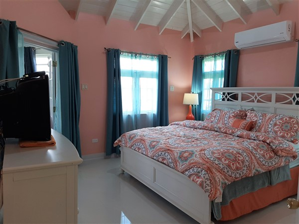 Mount Wilton - new pics - master bedroom (600 x 450)